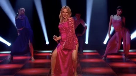 Kylie Minogue Wows With 'Real Groove' Live On Jonathan Ross [Performance]