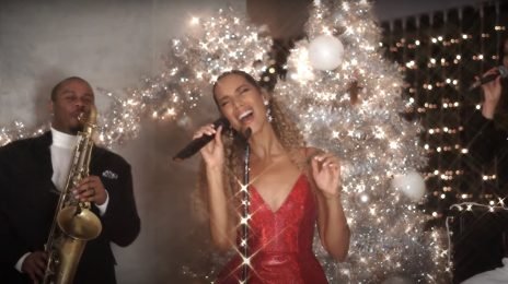 Leona Lewis Wows With 'One More Sleep' Live On 'Magic Radio's Magic of Christmas 2020' [Performance]