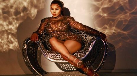 Lil' Kim Announces Memoir 'The Queen Bee'