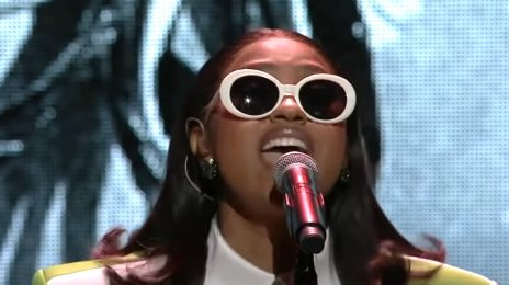 Watch: Jazmine Sullivan Dazzles With 'Pick Up Your Feelings' For Verzion's Concert For Small Businesses