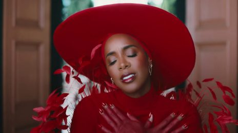 New Video:  Kelly Rowland - 'Flowers'