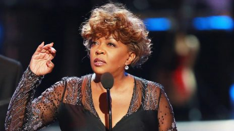 Anita Baker Asks Fans To Stop Streaming Her Music As She Fights Label for Her Masters