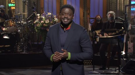 Daniel Kaluuya Rocks #SNL [Video]