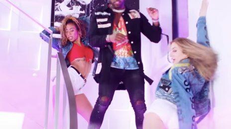 Jason Derulo Dazzles With 'Savage Love,' 'Swalla,' & More For TikTok Live [Performance]