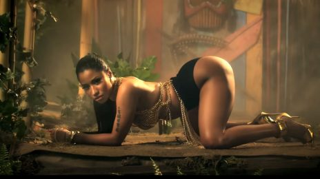 Nicki Minaj Makes History As 'Anaconda' Music Video Hits 1 Billion Views