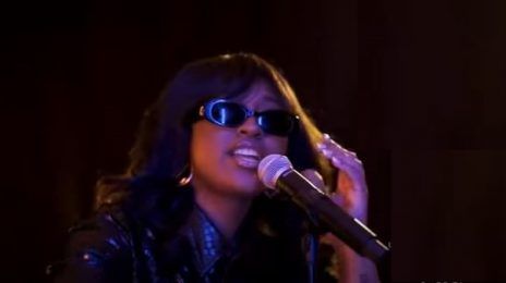 Did You Miss It? Jazmine Sullivan Rocked 'Urban One Honors' with 'Pick Up Your Feelings' Live [Watch]