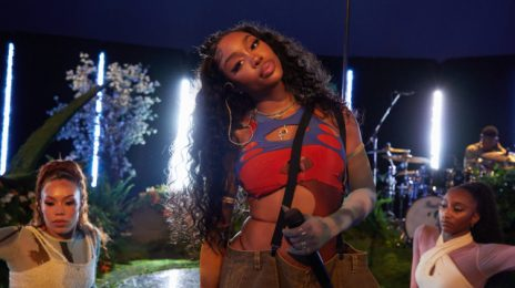 Watch:  SZA Rocks Grey Goose Concert Special with 'Hit Different,' 'Kiss Me More,' & More Live