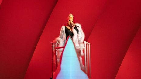 Christina Aguilera Blazes Sold-Out Hollywood Bowl Shows / Dazzles With 'Dirrty,' 'Fighter,' & More