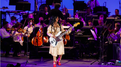 Watch: H.E.R. Blazes With 'Best Part,' 'Fight For You,' & More At The Hollywood Bowl