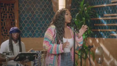 Watch:  Jazmine Sullivan Cranks Out 'Pick Up Your Feelings,' 'Need U Bad,' & More for 'Represent the Future' Summit