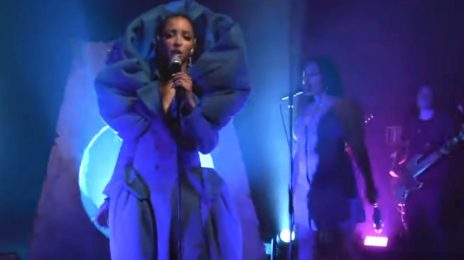 Watch: Tinashe Performs 'Undo' on GMA