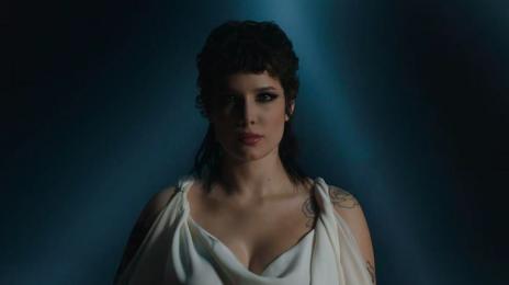 New Video: Halsey - 'I Am Not A Woman, I Am A God (Live)'