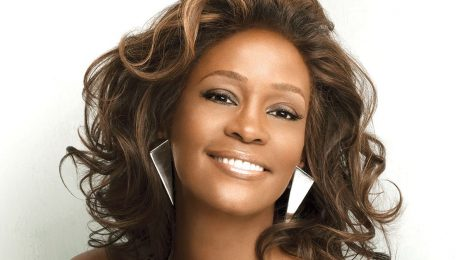 Whitney Houston Set for Major M.A.C. Cosmetics Line