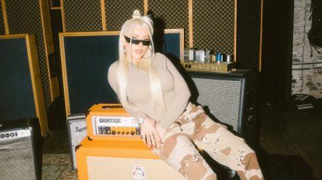 Hot Shots: Christina Aguilera Hits the Studio