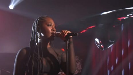 Watch: Tems Performs 'Avoid Things' on Kimmel