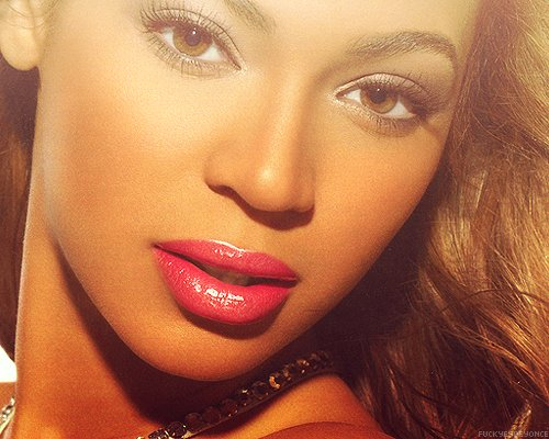 0a3800015a845e242578a6e1abf91827 Beyonce Shares Open Letter On Tumblr: Here I Am...Just So Ugly