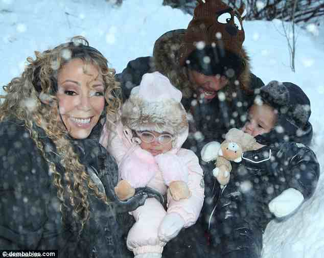 0c2c57aa22de557057ee5c614a80209d Hot Shots: Mariah Carey Shares Festive Family Snaps