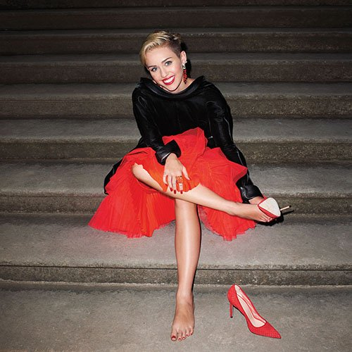 167ddaf717b08ec915c81fbb5f569ad7 Chart Check:  Miley Cyrus Reigns, Katy Perry Gains
