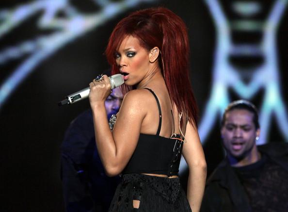 Rihanna+2011+NBA+Star+Game+Performances+Celebrities+HWwlZ0G3008l