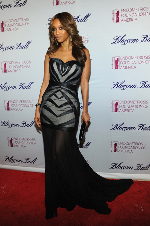 2a936b7b040a14a9efd61369634609bb Tyra Banks Beams At Blossom Ball (Photos)