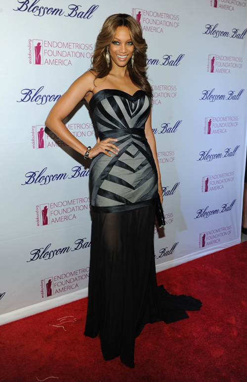 3214500004aa19bd41fc7ed40e98d6a7 Tyra Banks Beams At Blossom Ball (Photos)