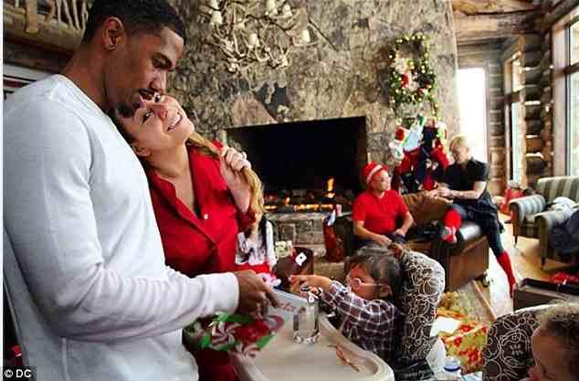 47f7dab262fbbb06a3c5d135ebc0802c Hot Shots: Mariah Carey Shares Festive Family Snaps