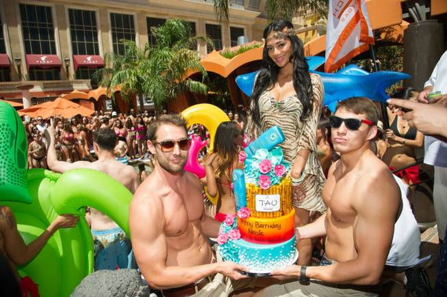 63cd098fc48298d79b26102a35cbd5bb Watch:  Nicole Scherzinger Makes a Splash At Early Birthday Bash