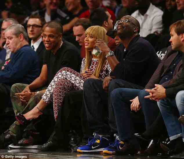 96b6819ef7d497938a2bf444959b4433 Hot Shots: Beyonce Hits The Barclays Center With Jay Z