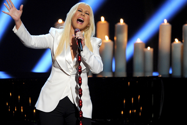 99db0c573c33e394bb25e93baa50ab0e Watch: Christina Aguilera Performs At Peoples Choice Awards 2013 *Updated*
