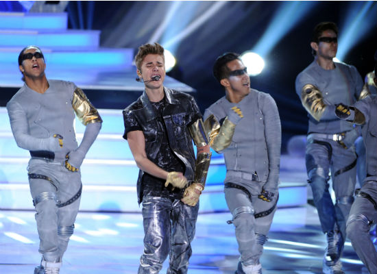 a1f8d80226a8242b9855e148f30ce2e5 Justin Bieber & Big Sean Bring Boyfriend & More To Teen Choice Awards