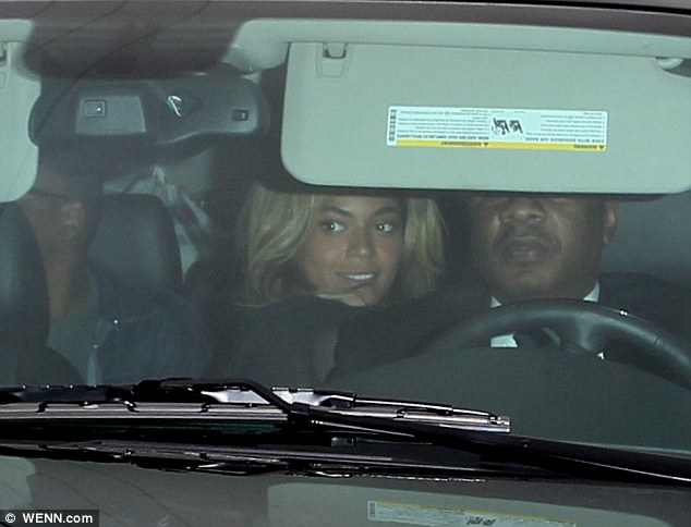 b949601a59d1549dacf1cf1af5579782 Hot Shots: Beyonce & Jay Z Hit LA For 55th Annual Grammy Awards