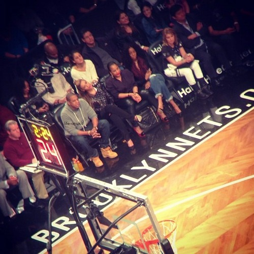 c73f909964cd8360ba167d1d0baf2bf9 Hot Shots: Jay Z Hits Nets Game With Beyonce And Kelly Rowland