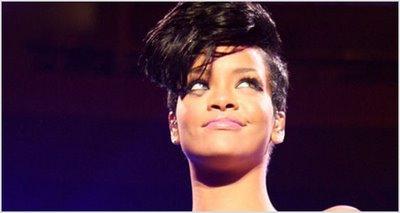 Shocking: Nude Rihanna Pics Hit The Net!!!